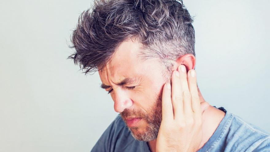 """معلومة قد تجعلك تتوقف عن استخدام """"أعواد تنظيف الأذن"""""""