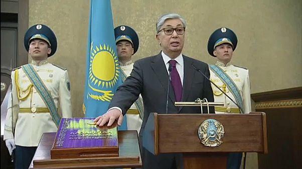 Beiktatták az új kazah elnököt