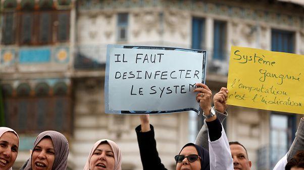 Bouteflika s'en va. Bon, et après, qu'est-ce qui attend les Algériens?