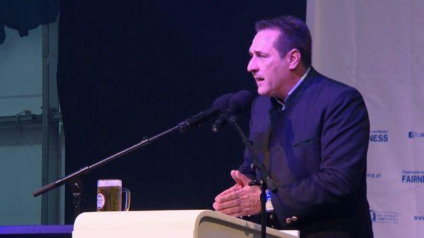 Avusturya Başbakan yardımcısı Strache için Müslümanlara yönelik açıklamaları nedeniyle suç duyurusu