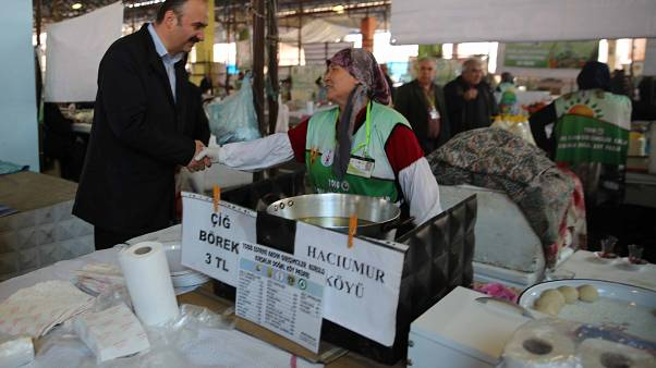 Türkiye'de tüketici güven endeksi mart ayında yüzde 3 arttı