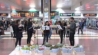 Встречающих весну просят пройти на вокзал