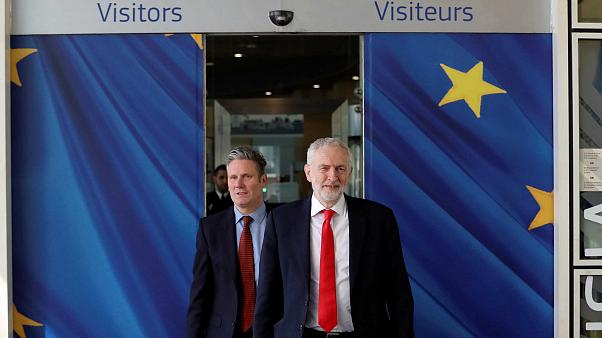 """Corbyn défend """"son"""" Brexit à Bruxelles"""