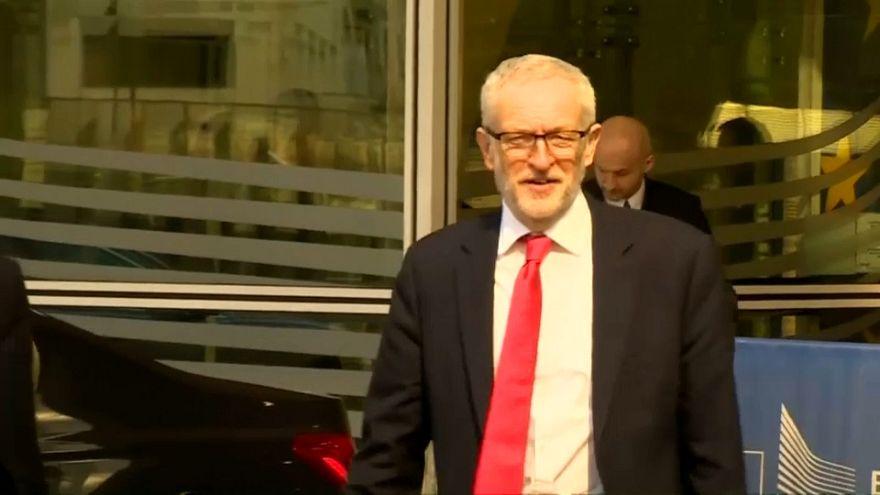 Corbyn presenta en Bruselas su plan alternativo