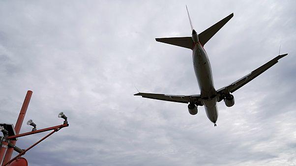 """طائرة بوينغ تابعة للخطوط """"يونايتد"""" من طراز 737 ماكس 8"""