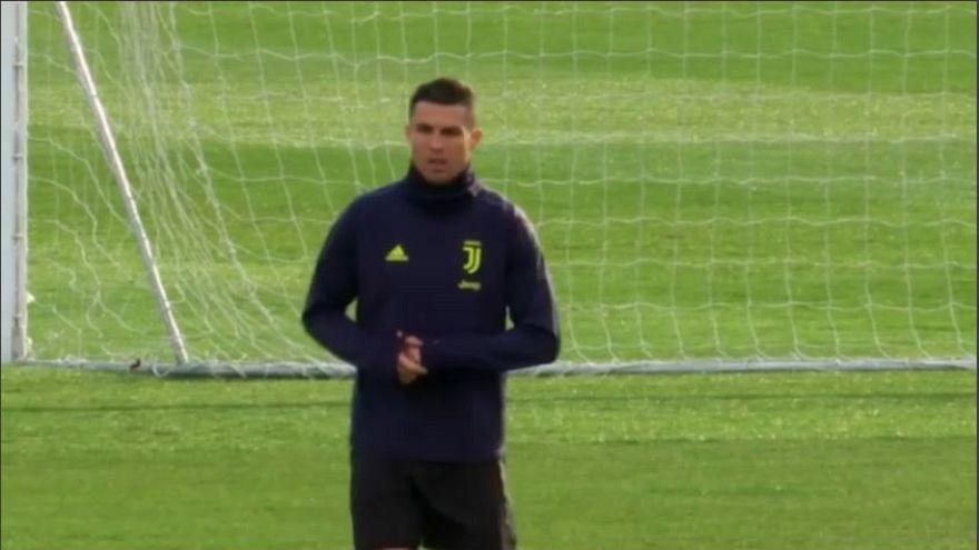 "Costano care ""Los Huevos"" a Ronaldo: 20.000 euro di multa"