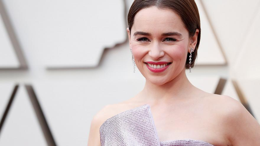 Game of Thrones dizisinde 'Ejderhaların Annesi'ni canlandıran İngiliz oyuncu ölümden dönmüş