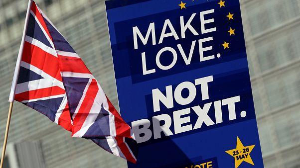 Brexit: Τα «δύο σενάρια» και μία προθεσμία στη Βρετανία!