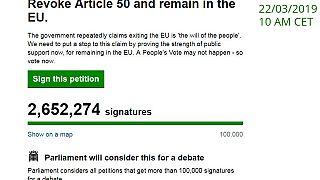 Hárommillió felett a brexit leállítását kérő petíció