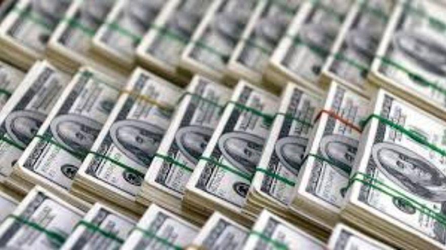 Merkez Bankası döviz rezervlerinde rekor düşüş yaşanırken kur yeniden yükselişe geçti