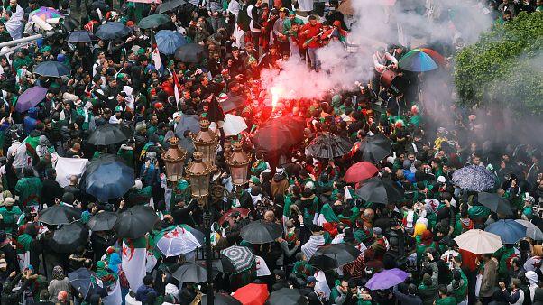 پنجمین جمعه اعتراضی در الجزایر؛ معترضان همچنان خواهان استعفای بوتفلیقه هستند