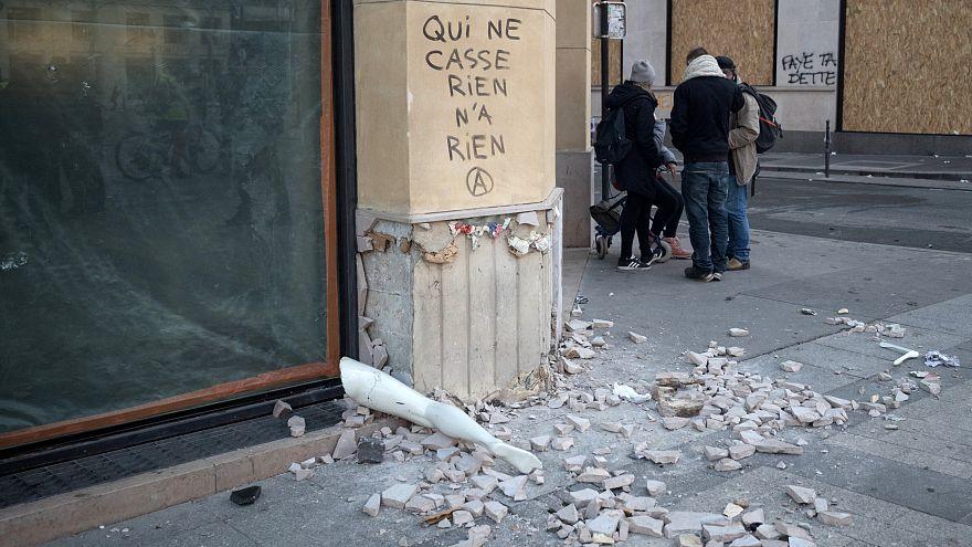 Paris reforça medidas face a novos protestos
