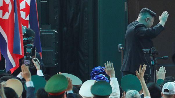 H Β. Κορέα αποσύρει τον διπλωματικό σύνδεσμο με την Ν. Κορέα