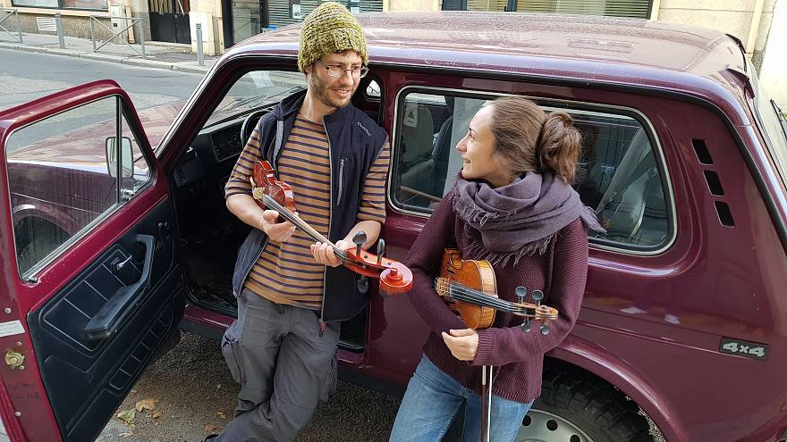 "Французы на ""Ниве"" едут на Кавказ за народной музыкой"