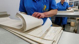 O tamanho importa? Boletim de voto ucraniano tem 80 centímetros