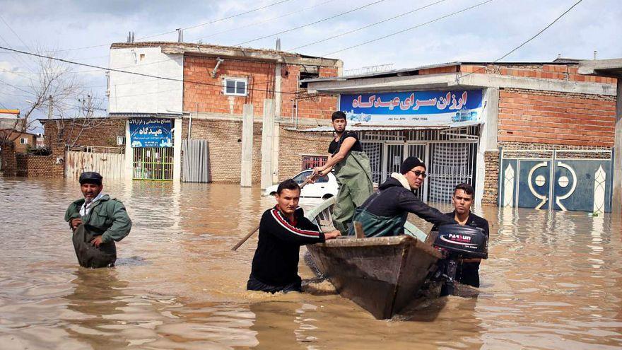 سیل در ۴ استان ایران؛ مردم سیلزده کماکان گله دارند