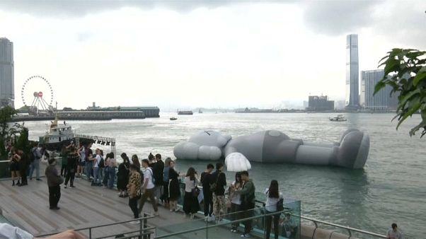 تولید عروسک بادی ۳۷ متری برای آرامش هنگ کنگیها
