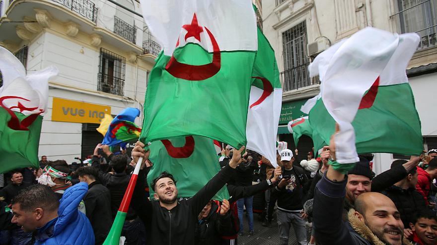 Protestos intensificam-se nas principais cidades argelinas