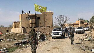 """مجموعة من مقاتلي """"قسد"""" يدخلون آخر معاقل تنظيم """"الدولة الإسلامية"""" في سوريا"""