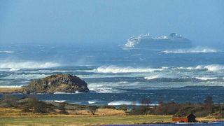 Cruzeiro evacuado ao largo da Noruega