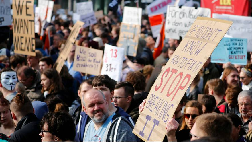 منتقدان لایحه اصلاح قانون کپی رایت اینترنتی در اروپا تظاهرات کردند