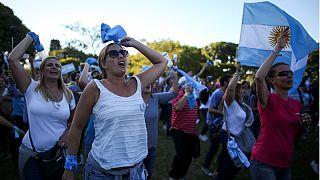 فعالان ضد حق سقط جنین در آرژانتین تظاهرات کردند