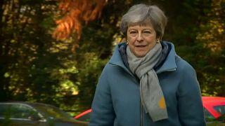 """Brexit: speculazioni su futuro May. Media Gb: """"Governo in rivolta"""""""