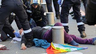 Gelbwesten: 73-Jährige in Nizza schwer verletzt - Familie will klagen