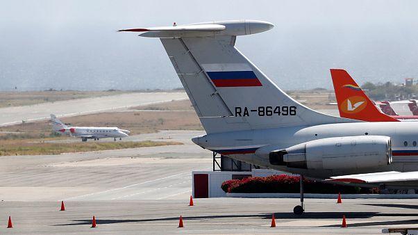Rusya, Venezuela'ya 100 asker ve 35 ton yardım malzemesi gönderdi