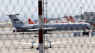 طائرة روسية في مطار بكراكاس يوم الاحد