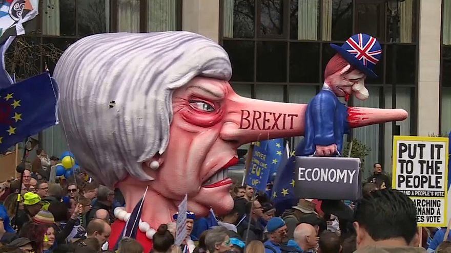 Brexit: nella notte il parlamento mette sotto tutela il governo