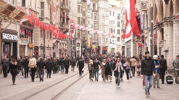 Video | Beyoğlu'nda yerel seçim: Durumdan memnun olanlar ve eskiyi özleyenler