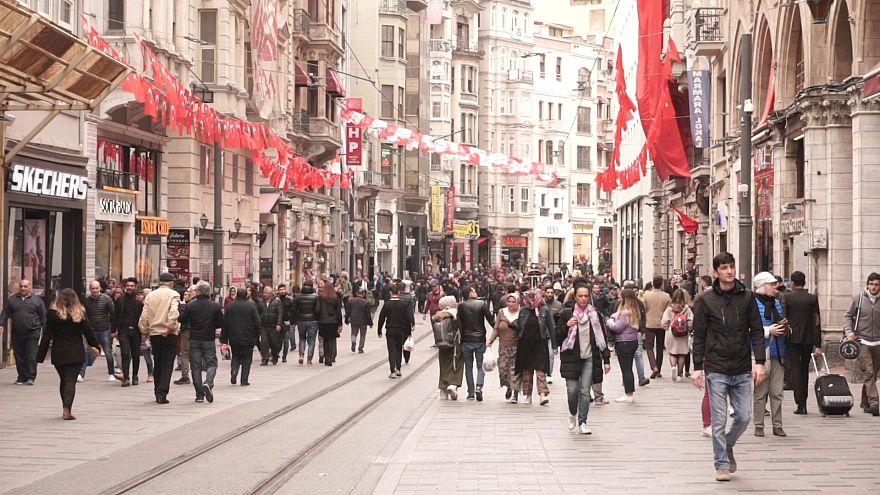 Video   Beyoğlu'nda yerel seçim: Durumdan memnun olanlar ve eskiyi özleyenler