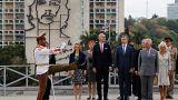 El príncipe Carlos y Camilla en la plaza de la Revolución de La Habana