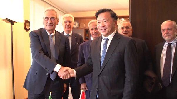 Italia - Cina:  la strategia del pallone
