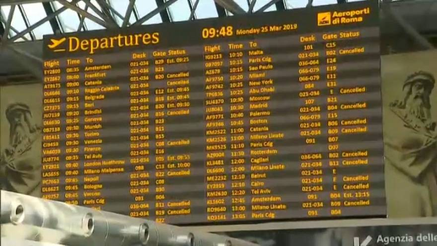 Sciopero Alitalia, cancellati 95 voli