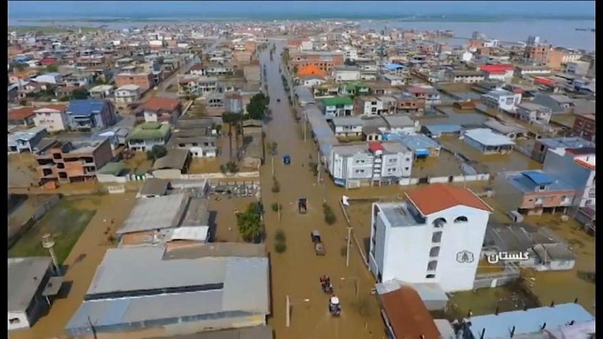 الصورة لفيضانات في إقليم غولستان شمال-شرق البلاد