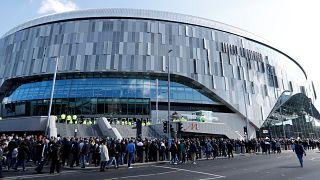 Tottenham abre novo estádio aos adeptos
