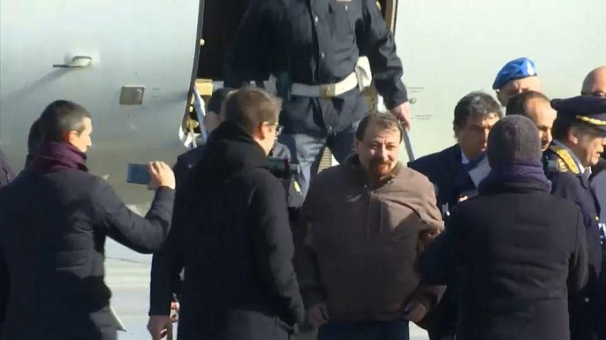 Un juez italiano acaba con la resistencia de Cesare Battisti