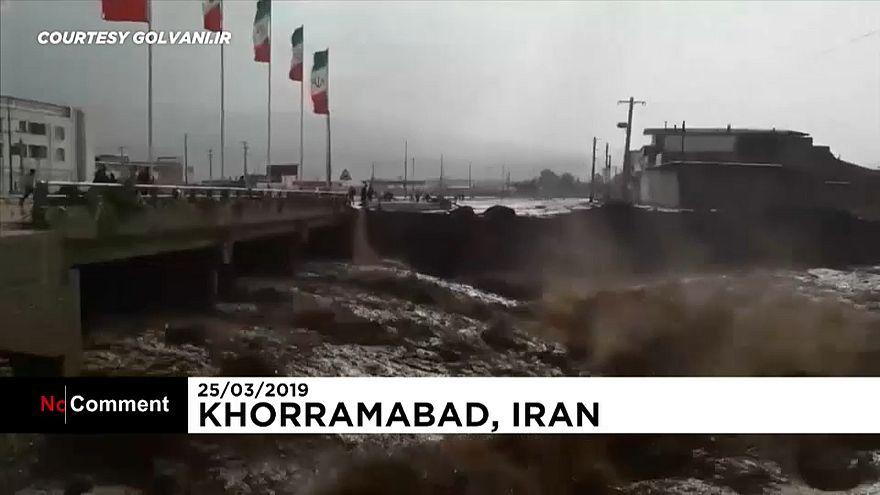 شاهد: أمطار إيران الغزيرة تودي بحياة 18 شخصا وتلحق الضرر بآلاف المنازل