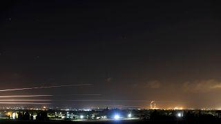 Hamas annuncia una tregua, ma le ostilità continuano a Gaza