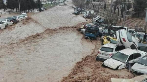Pelo menos 19 mortos nas inundações do Irão