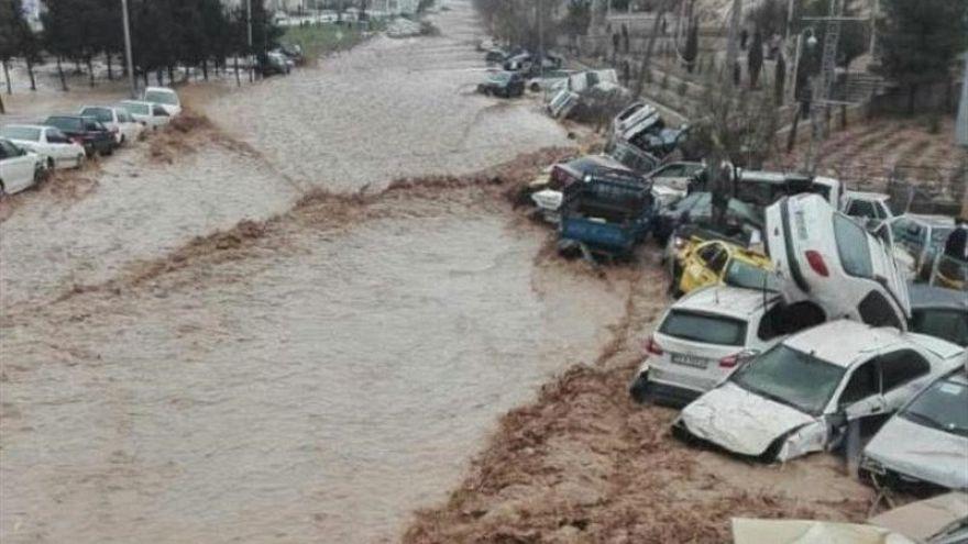 Halálos áradások Iránban
