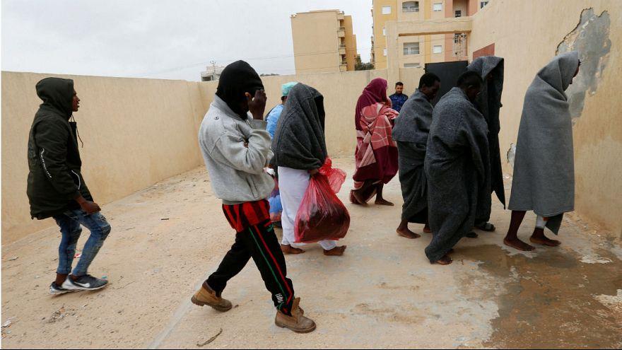 مهاجران نجات داده شده توسط گارد ساحلی لیبی