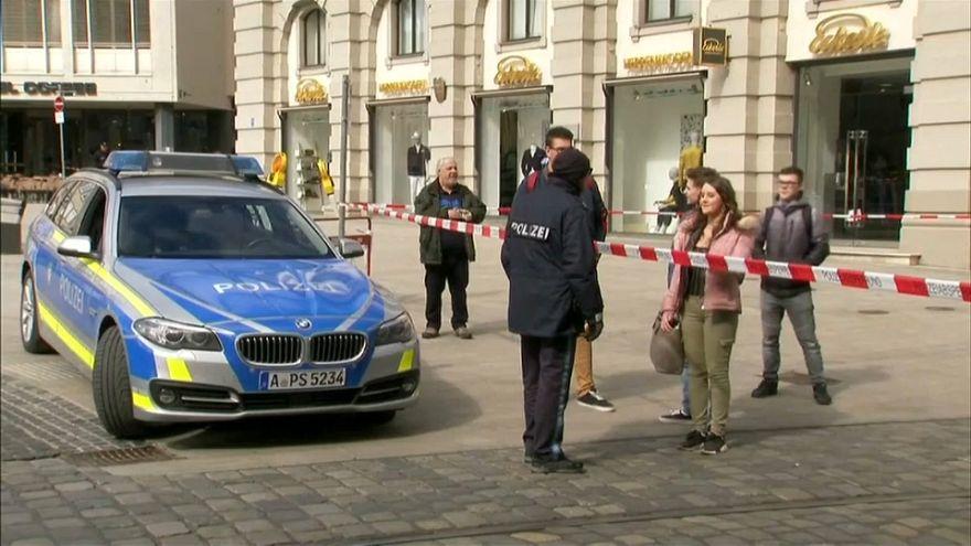 Germania: allarmi bomba in 6 città, sospetti sull'estrema destra