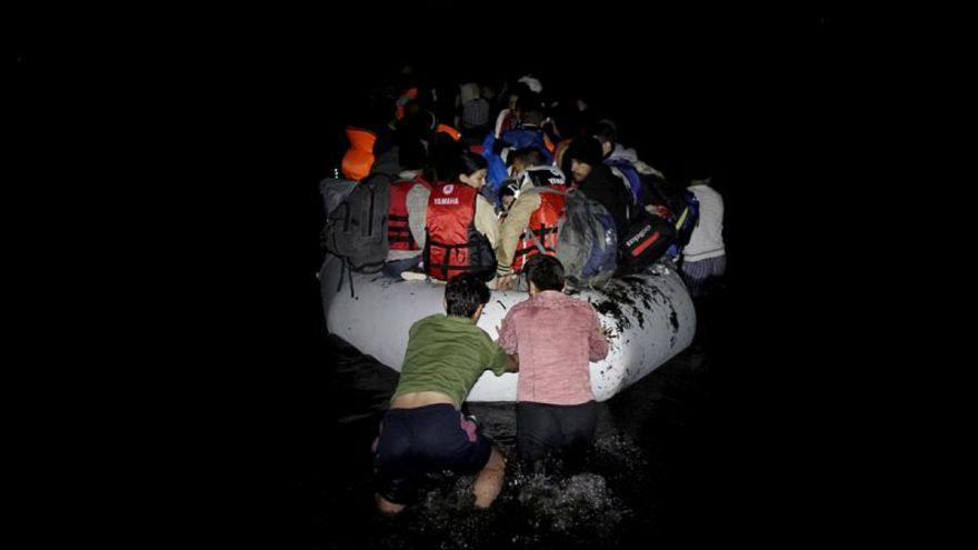 چهار کشته در پی واژگونی قایق مهاجران ایرانی و افغانستانی در سواحل ترکیه