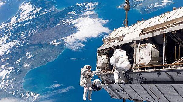 NASA tamamı kadınlardan oluşan ilk uzay yürüyüşünü eksik astronot kıyafeti nedeniyle iptal etti