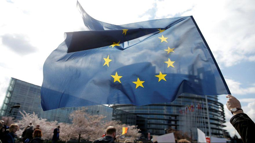 تجمع در برابر پارلمان اروپا در اعتراض به لایحه اصلاح قانون کپی رایت