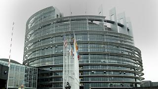 UE aprova acordo revisão dos direitos de autor na internet