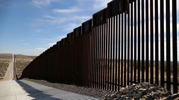 El Pentágono autoriza 1.000 M$ para el muro con México